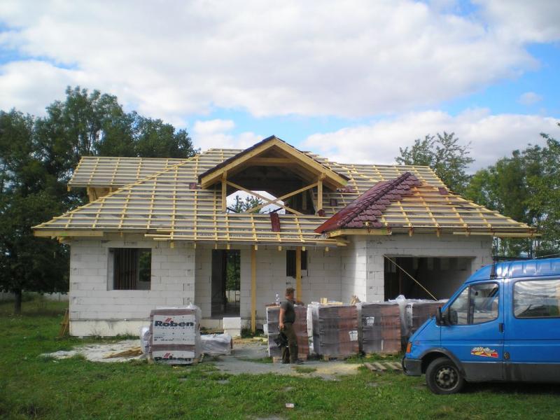 Výroba krovu a pokládka pálené krytiny Roben Rychnov nad Kněžnou
