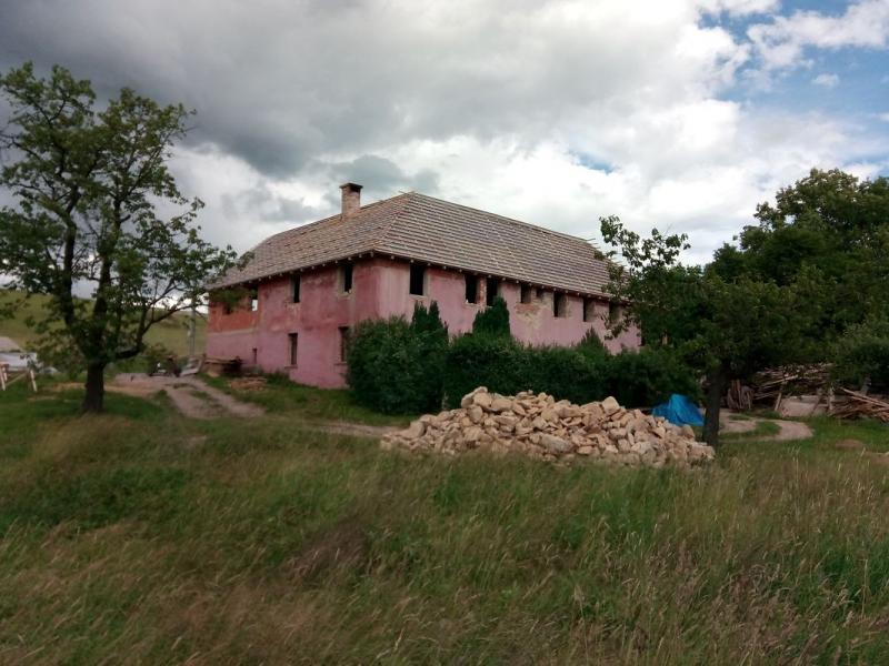 Výroba krovu a rekonstrukce zemědělské usedlosti v obci Kamenná Horka