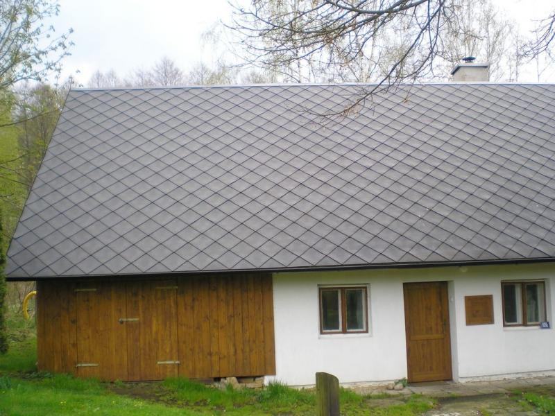 Výroba krovu a položení střešní krytiny Capacco Dolní Čermná