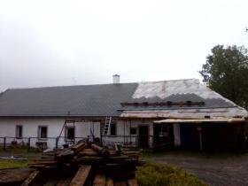 Rekonstrukce střešního pláště Skuhrov
